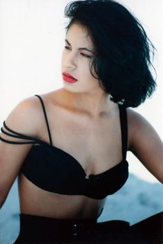Photo of Selena ♥. for fans of Selena Quintanilla-Pérez 28911883 Selena Quintanilla Perez, Selena And Chris, Selena Selena, Selena Bustier, Beautiful Person, Beautiful Women, Selena Mexican, Selena Pictures, Divas