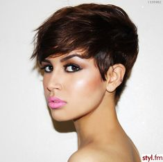 Fabulous short hair <3  See and all I see is her fabulous makeup! :)