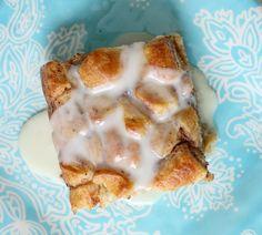 Cinnamon Roll French Toast Casserole @cupcakesandcrinoline.com