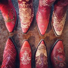 There's just something about red cowgirl boots! Here's to cuttin' footloose this weekend y'all! #tgif #redboots #cowgirlboots #cowboyboots #footloose #oldgringoboots #oldgringo #loseyourblues #rivertrailmercantile #blameitallonmyroots