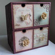 cajonera de madera decorada Decoupage Box, Decoupage Vintage, Funky Art, Altered Boxes, Craft Bags, Jewellery Boxes, Craft Storage, Box Design, Furniture Making
