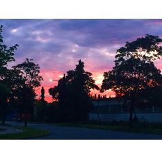The view from my run tonight  #denmark #aarhus #brabrand #lake #sunset #beautiful #monday #run #sky #incredible #view #nature #trees #house #light #pink #purple #amazing #fitness #motivation #inspiration #country #scandinavian #weather