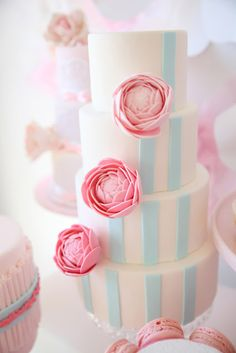 ranuculus and stripes cake!
