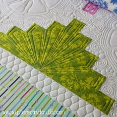 Machine Quilting by Natalia Bonner of Piece N Quilt. Video tutorial included. xxx