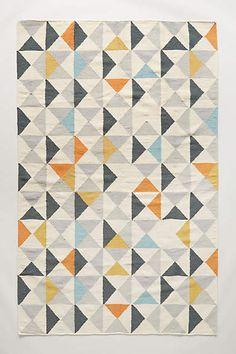 Flachgewebe-Teppich mit symmetrischem Muster - anthropologie.com