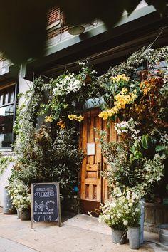 Brooklyn Winery, photo by Pat Furey http://ruffledblog.com/brooklyn-wedding-with-breathtaking-floral-design #weddingvenue #venues