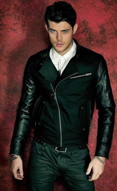 Felix Bujo for Guess Fall 2013 Leather Jacket Outfits, Men's Leather Jacket, Leather Men, Leather Jackets, Leather Sleeves, Moto Jacket, Black Leather, Felix Bujo, Leather Fashion