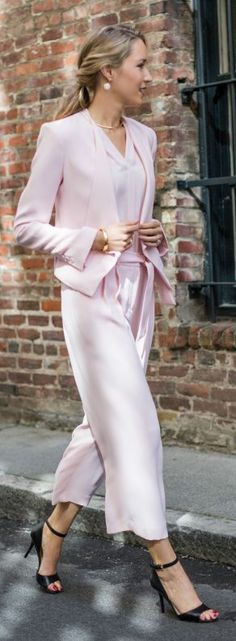 I am in love with this Pink Culottes Inspiration Outfit. OMG! I am generally an all black gal with accents of pink. But this is lovely.