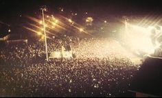 Riportatemi sotto quel palco, tra quelle 25000 persone, tra quei 25000❤ che battevano per un'unica ragione, tra 25000 voci che cantavano insieme, ma soprattutto riportatemi da Lei 2/01/2013
