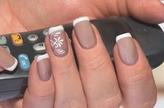 Opting for bright colours or intricate nail art isn't a must anymore. This year, nude nail designs are becoming a trend. Here are some nude nail designs. Black Nail Designs, Pretty Nail Designs, Best Nail Art Designs, French Manicure Nails, Nude Nails, French Nails, Glitter Acrylics, Glitter Nails, Acrylic Nails