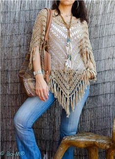 Bo-M: Túnica Mini Dress - House Interior Designs Tina s handicraft scarves This post was discovered by ad It is a website for handmade creations,with free patterns for croshet and knitting , in many techniques & designs. Crochet Poncho Patterns, Crochet Cardigan, Crochet Shawl, Knit Crochet, Poncho Shawl, Crochet Woman, Layered Look, Shawls And Wraps, Crochet Clothes
