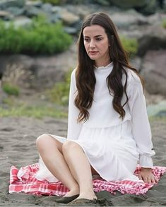 Beautiful Series, Most Beautiful, Turkish Beauty, Beauty Full Girl, Black Sea, Best Tv, My Images, Actors & Actresses, White Dress