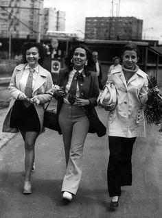 Obchody Dnia Kobiet w czasach PRL-u. Zobacz archiwalne zdjęcia Vintage Photos, Poland, Hair Beauty, Vogue, Hipster, Punk, Female, Retro, Photography
