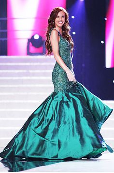 "Miss USA 2011: Winner Alyssa Campanella's Dress Details! Winner Miss California Alyssa Campanella The emerald green hue was specifically chosen by designer Sherri Hill ""to accentuate Alyssa's dramatic coloring,"" Hill said."