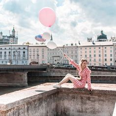 Its the weekend guys! Sending you all some good vibes from Salzburg pic Hotels In Portugal, Happiness Project, Salzburg, Good Vibes, Sweet Home, Louvre, Instagram, Building, Pretty