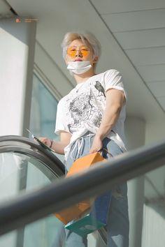 I miss u my love. When I hear Goodbye Road, I'm in full tears😭😭😭 I just do truly miss him Kim Hanbin Ikon, Chanwoo Ikon, Yg Ikon, Bobby, Ikon Leader, Miss U My Love, Ikon Debut, Ikon Wallpaper, Double B