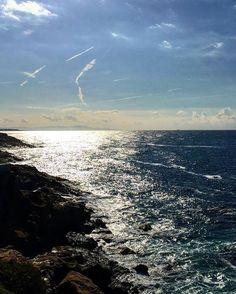 Horizon😄#guidaturistica #tourguide #sea #mare #calafuria #livorno #leghorn #toscana #tuscany #igerslivorno #igerstoscana #igersitalia #cielo #sky #riflessi #reflections #sun #sole #horizon #orizzonte #scogli #rocks #natura #nature
