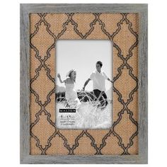 Burlap frames are the best! Need to add more to my collection!
