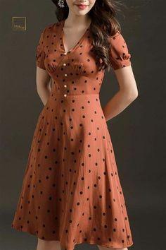 me – Real Clothes Simple Dresses, Cute Dresses, Vintage Dresses, Casual Dresses, Classic Dresses, Dresses Dresses, Kurti Designs Party Wear, Kurta Designs, Blouse Designs