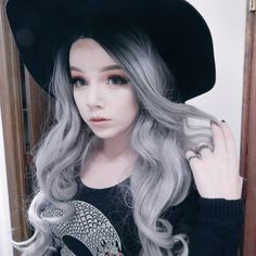 @g.hosty (taylorterminate) black to gray/silver ombre hair #grunge #alternative #pale #scene #emo #wig