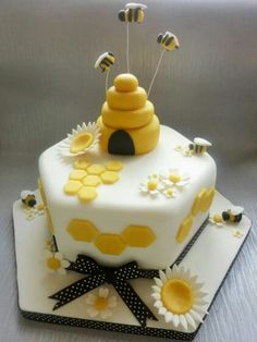 Beekeepers Cake by Amazing Grace Cakes UK
