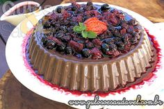 Receita de Mousse de Chocolate com Calda de Frutas Vermelhas