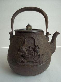 Antique Japanese Tetsubin Iron Teapot Signed Ryubundou High Relief Scene Fine | eBay