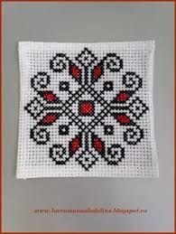 In this tutorial, we love to list the different kinds of embroidery stitches you can use that anyone can learn. It is not bound to be used on the leaves pattern but these stitches are simply amazing on all kinds of embroidery patterns. Cross Stitch Bookmarks, Cross Stitch Cards, Cross Stitching, Cross Stitch Embroidery, Hand Embroidery, Embroidery Stitches Tutorial, Embroidery Patterns, Cross Stitch Designs, Cross Stitch Patterns