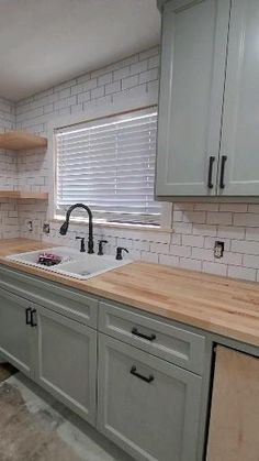 Kitchen Room Design, Kitchen Cabinet Design, Kitchen Redo, Modern Kitchen Design, Home Decor Kitchen, Rustic Kitchen, Interior Design Kitchen, Home Kitchens, Kitchen Tile Designs