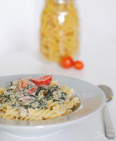 Die Spinat Gorgonzola Pasta ist eines meiner Lieblings Pasta Rezepte - wobei ich fast alles mit Pasta einfach unglaublich gut finde!