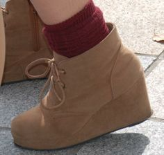 japanese street fashion - young women's shoes trends - fashion in japan