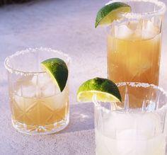 3 Margarita Recipes for Cinco De Mayo! Margarita Recipes, Smoothie Recipes, Drink Recipes, Vegan Smoothies, Great Recipes, Healthy Recipes, Amazing Recipes, Yummy Recipes, Homemade Margaritas