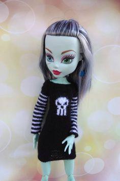 Cthulhu dress for 17 inch Monster High doll. Hand-knitted | Etsy Monster High Doll Clothes, Clothes Crafts, Knitted Dolls, Cthulhu, Hand Knitting, Crochet, Anime, Etsy, Dresses
