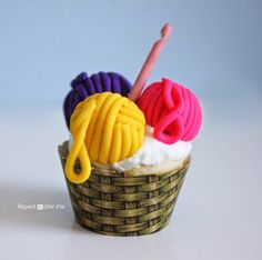 Yarn Ball Basket Cupcakes (with Edible Crochet Hook!) - Repeat Crafter Me