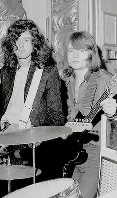 Zephead — zeppelinmajesty:     Led Zeppelin at The Playhouse...