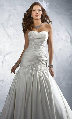 Alfred Angelo 2169 wedding dress currently for sale at 60% off retail.