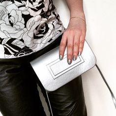 #silver #spring #outfit #notd #learher #flowers #girly #purse  Prawda, że #eklektycznie? ;)