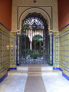 Courtyard Garden in the center of Seville Sevilla by erosb3k, via Flickr