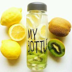 Эта бутылка из экологического пластика выдерживает от - 40 до +110 градусов. Вес - 90 г. Объем 500 мл. Диаметр 6,5 см; высота 19,5 см. Ее можно использовать не только для жидкости, но и для хранения мелких продуктов. by SkyWalker_ | We Heart It