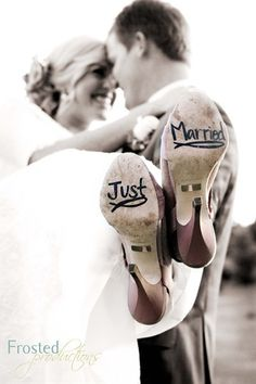 Love this photo idea! I'm going to have to do this!! So precious