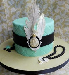 feather and cameo cake