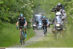 Froome on cobbles before the TdF