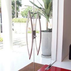 fechadura automatica para portão de vidro | Häfele apresenta uma nova linha desenvolvida para portas de vidro ...