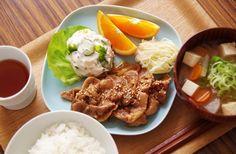 Pork Shogayaki - Thinly sliced pork cooked in a ginger-soy sauce 豚の生姜焼き