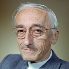 This Day in History: 25 Jun, 1997: King of the undersea, Jacques Cousteau, dies. - http://dingeengoete.blogspot.com/2013/06/this-day-in-history-25-jun-1997-king-of.html