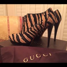 Additional pictures of the GUCCI booties GUCCI Betty lace-up high heel platform bootie Gucci Shoes Ankle Boots & Booties