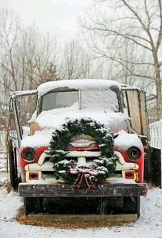 Farm Christmas Holiday Vintage Pickup Truck With Wreath This Would Be A Great Picture For Country Painting