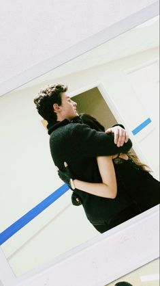 Shawn and Camila hugging ❤ Shawn Mendes Camila Cabello, Shawn And Camila, Shawn Mendes 3, Mendes Army, Fan Picture, Kids In Love, Real Friends, Fifth Harmony, Magcon