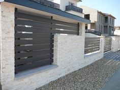 mediterrán kerítés - Google Search Outdoor Tiles, Outdoor Decor, Outside Seating Area, Garden Wall Designs, Modern Fence Design, Door Gate Design, Privacy Screen Outdoor, Boundary Walls, Grades
