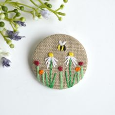 Embroidered flower pin badge by Stitch Galore Hand Embroidery Art, Japanese Embroidery, Embroidery Patterns, Embroidery Hoops, Flower Embroidery, Machine Embroidery, Embroidered Badges, Embroidered Gifts, Embroidered Flowers